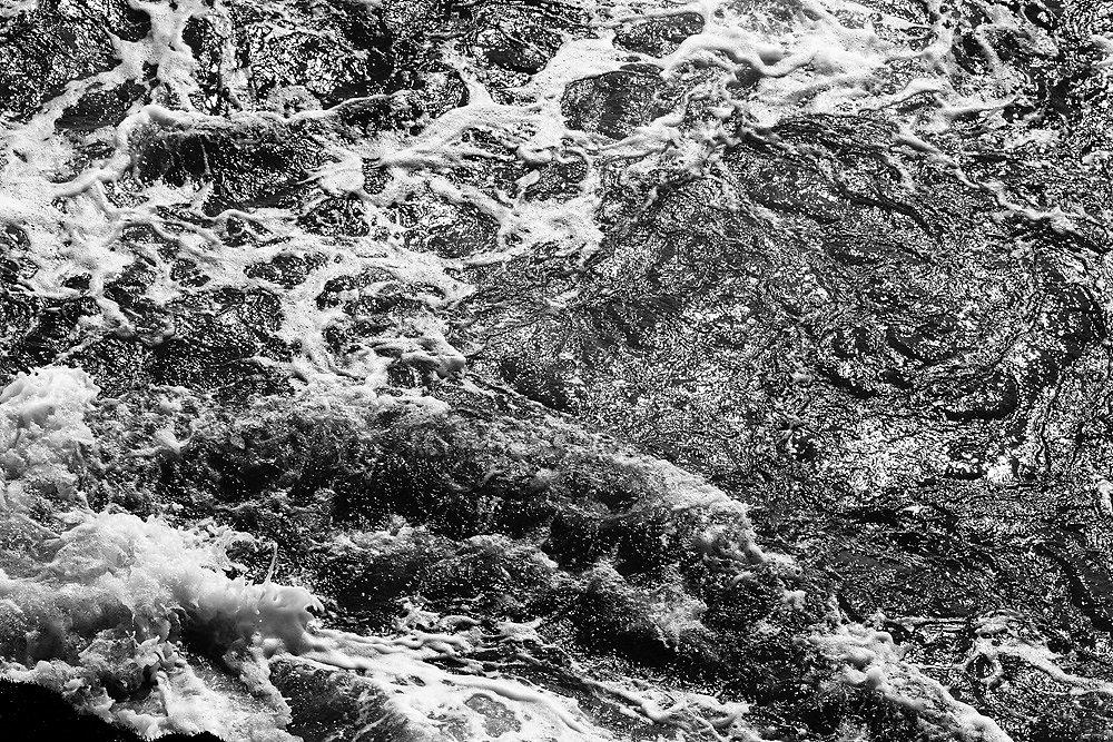 evelyn-pritt-2011-oceanwaves-03-c-8192.jpg